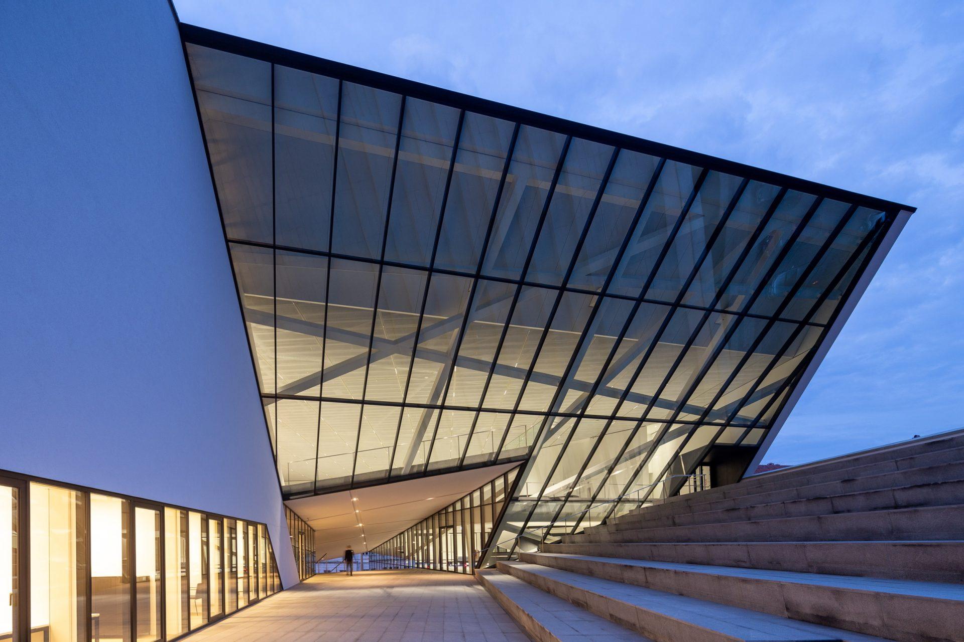 """""""Naresta"""" nepriekaištingai įgyvendino pasaulinės architektūros žvaigždės projektą ir pelnė """"Lietuvos metų gaminio"""" aukso medalį"""