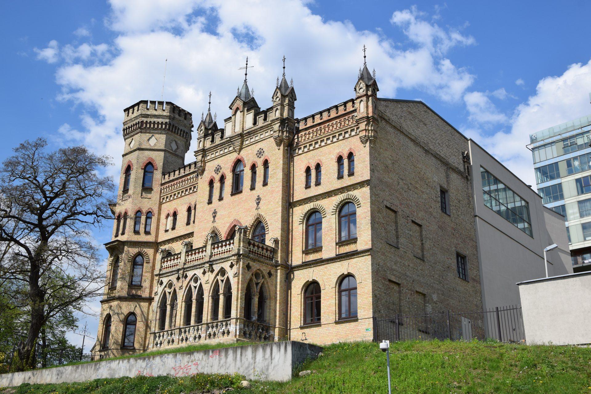 Reconstruction of Hilarijus Raduškevičius palace