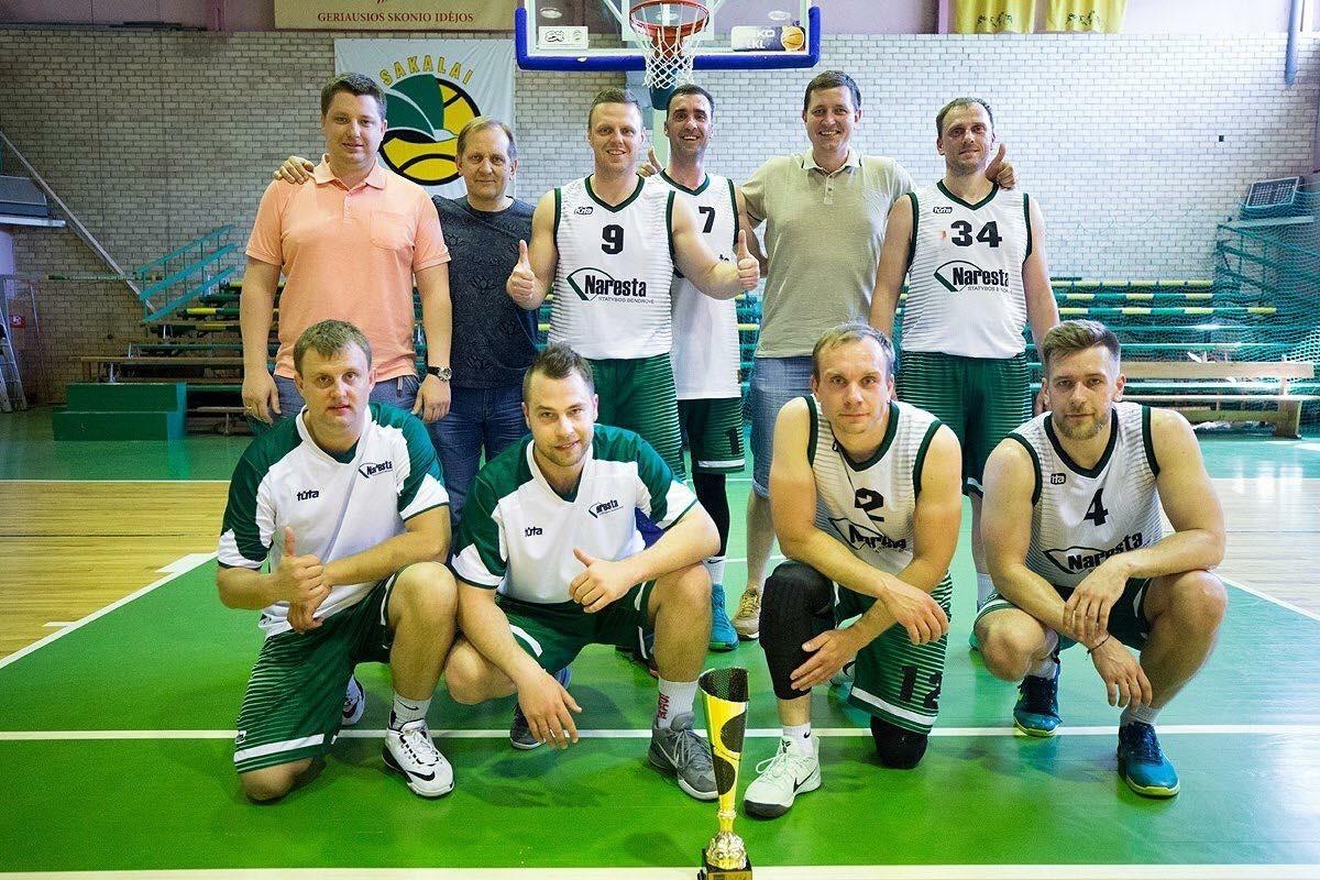 """UAB """"Naresta"""" krepšininkai – Sostinės krepšinio lygos (SKL) Įmonių lygos taurės vicečempionai"""